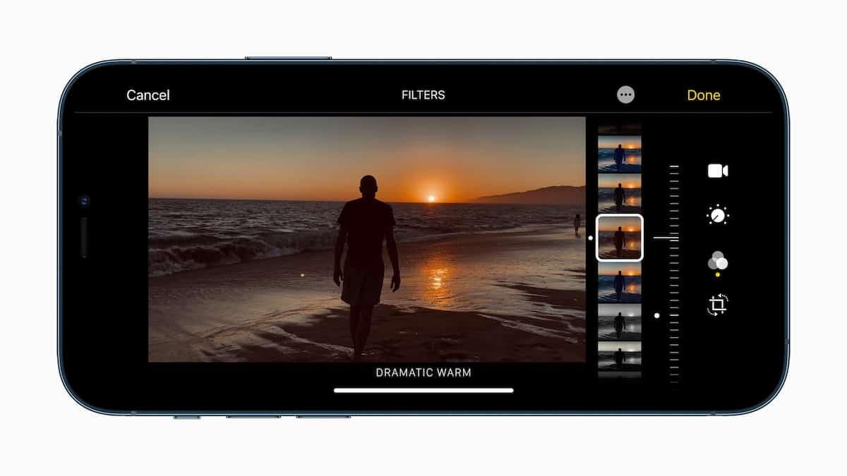 Plus rapide et plus efficace, la puce A14 Bionic offre des possibilités de photographie computationnelle plus puissantes et permet de retoucher des photos et de monter des vidéos directement sur l'iPhone.